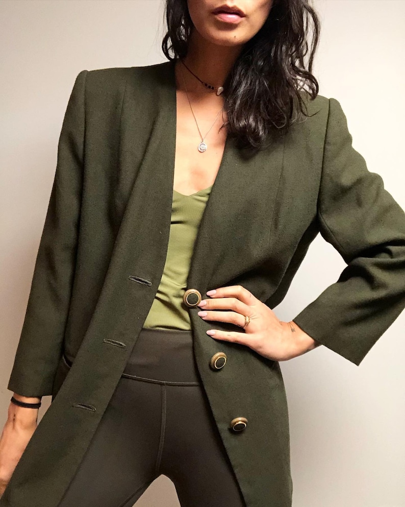 Vintage 100/% wool olive collarless blazer