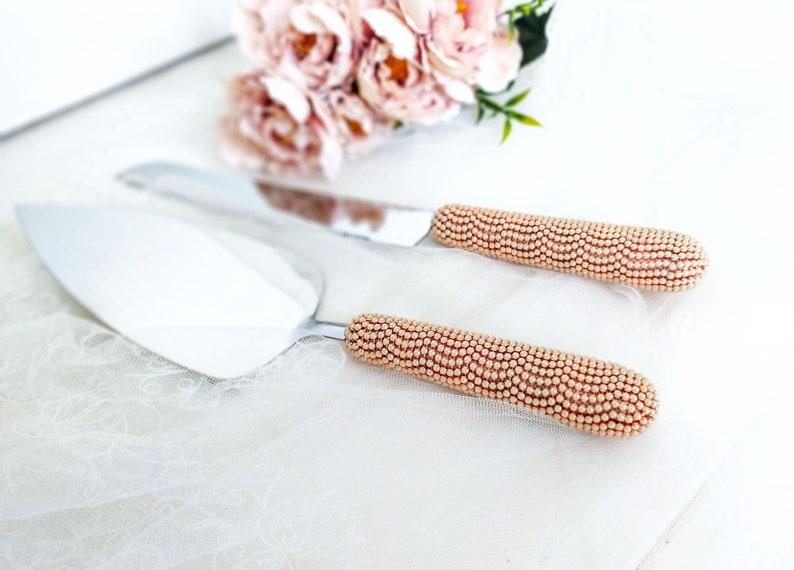 Ensemble de coupe de gâteau de mariage de perle d'or de rose