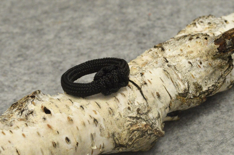 Unisex braided ring Custom paracord jewelry friendship gift Paracord jewelry survival ring Tactical paracord survival ring Tactical gear