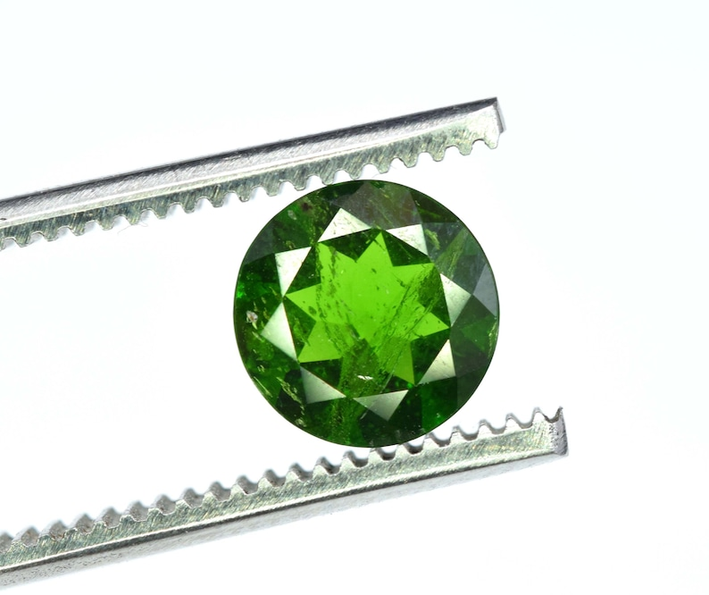 6*6*1.80 mm 1.75 Carats Beautiful Genuine Round Daimond Cut Lustrous Hunter Green Color Chrome Diopside Gemstone From Eastern Siberia