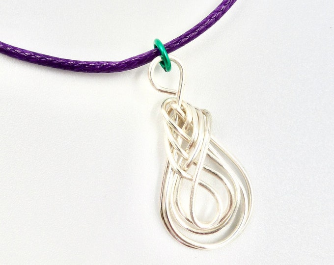 Pipa Knot Pendant Necklace