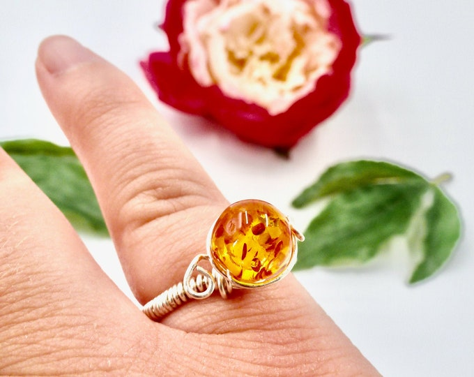 Rings, Silver Rings, Wire Wrapped Rings, Amber Resin Rings, Amber Rings, Birthday Gifts, Jewellery Gifts, Gifts for Her, Bridesmaid Gifts