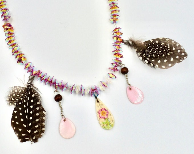 Vintage Floral and Feather Pendant Beaded Necklace
