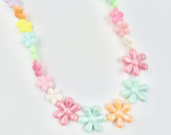 Daisy Floral Beaded Necklace