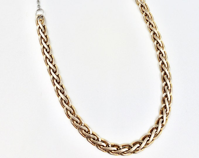 Knotted Chain Detail Necklace