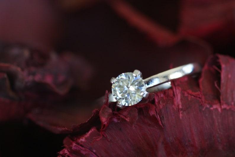 Engagement ring Moissanit 0.56 Carat Brilliantsliff VS1 925 Silver