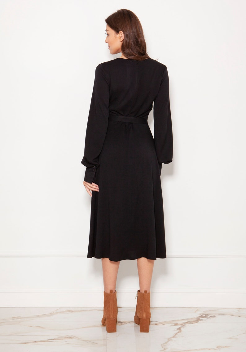 Dress With V-neck And Spectacular Sleeves Black