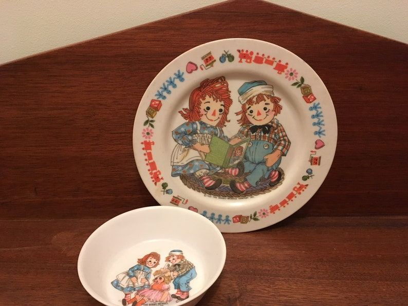 Vintage 1969 Raggedy Ann and Andy Child/'s Plate and Bowl Oneida Deluxe The Bobbs-Merrill Co.