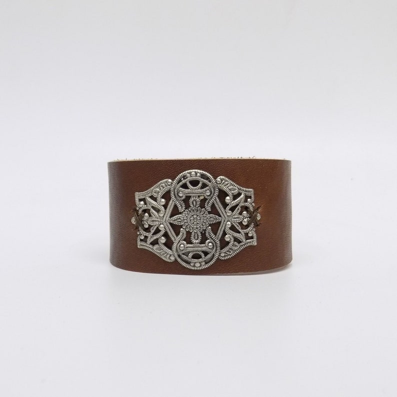Leather cuff bracelet with filigree