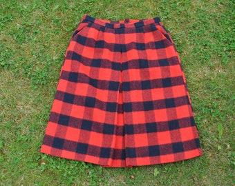 0e8c7466ee Vintage wool tartan red / black skirt from 70's