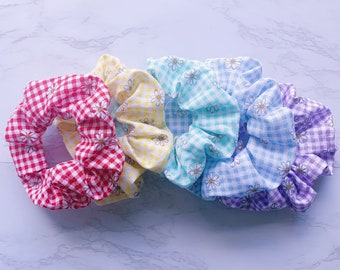 Scrunchie Hair Accessory Pink Olive Floral Tropical Jungle Palma Leafs