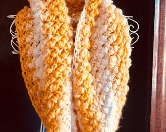 Handmade crochet infity scarf/ cowl