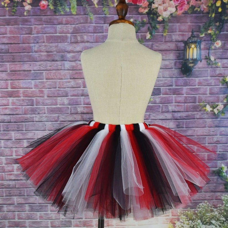 1b3c848dcd9 La jupe Tutu noir blanc rouge Halloween pour les filles