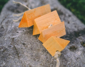 Carrot Balsa Fling | Natural Flavored Chew Toy for Bunny Rabbits, Guinea Pigs, Chinchillas, Hamsters, Gerbils, Mice, Rats, Birds