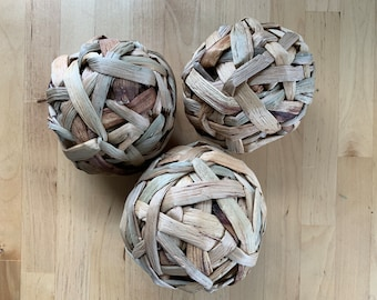 Water Hyacinth Ball Chew Toys   All-Natural    Safe   Non-Toxic   Handmade   Bunny Rabbit, Guinea Pig, Small Pet Toys