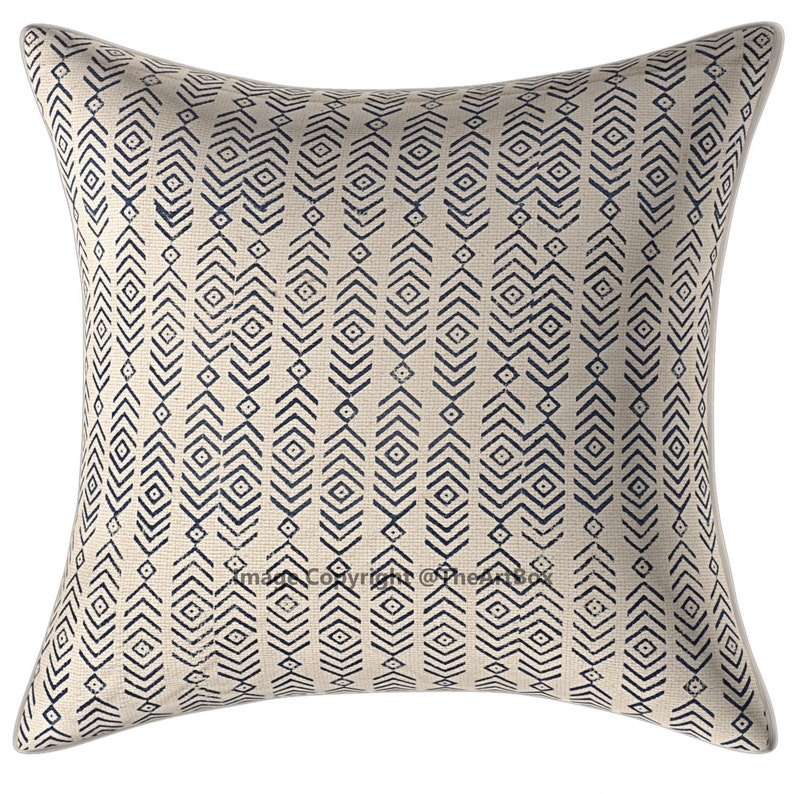Enjoyable Exclusive Black Arrow Print Couch Sofa Cushion Covers 18 X 18 Textured Decorative Pillows Modern Pillow Covers Caraccident5 Cool Chair Designs And Ideas Caraccident5Info