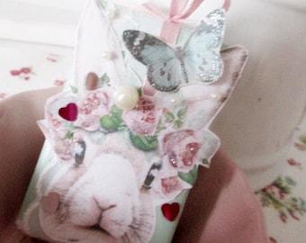 Romantic hand-made soap piece Shabby - Bunny / Soap / 3D Shabby Look / LAVENDEL