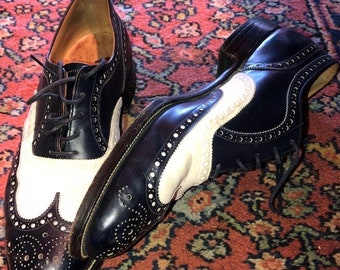 0b05e58510 Vintage Men's Two Tone Spectator Nettleton Dark Blue and White Shoes Very  Light Wear