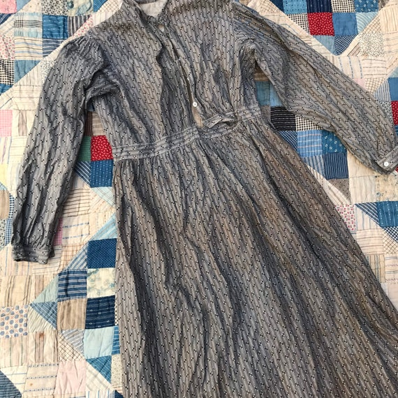 Antique Grey Calico Dress - image 2