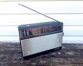 Vintage soviet radio receiver VEF317 1986 - Russian radio - Portable soviet transistor radio