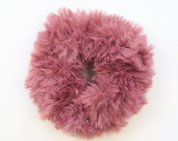Fluffy Crochet Scrunchie - Berry