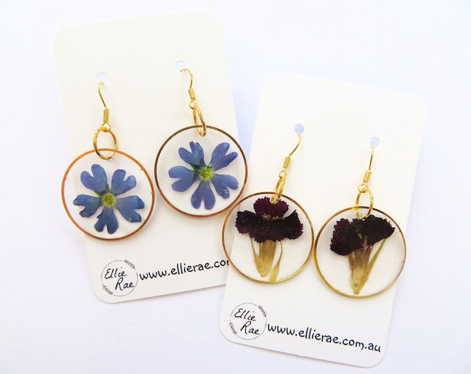 Gold Round Disc Pressed Flower Resin Dangle Earrings with Purple Flowers