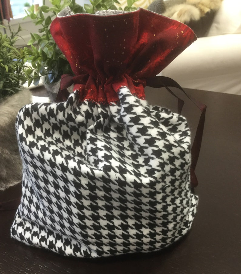 houndstooth style Gift bags cotton red white black