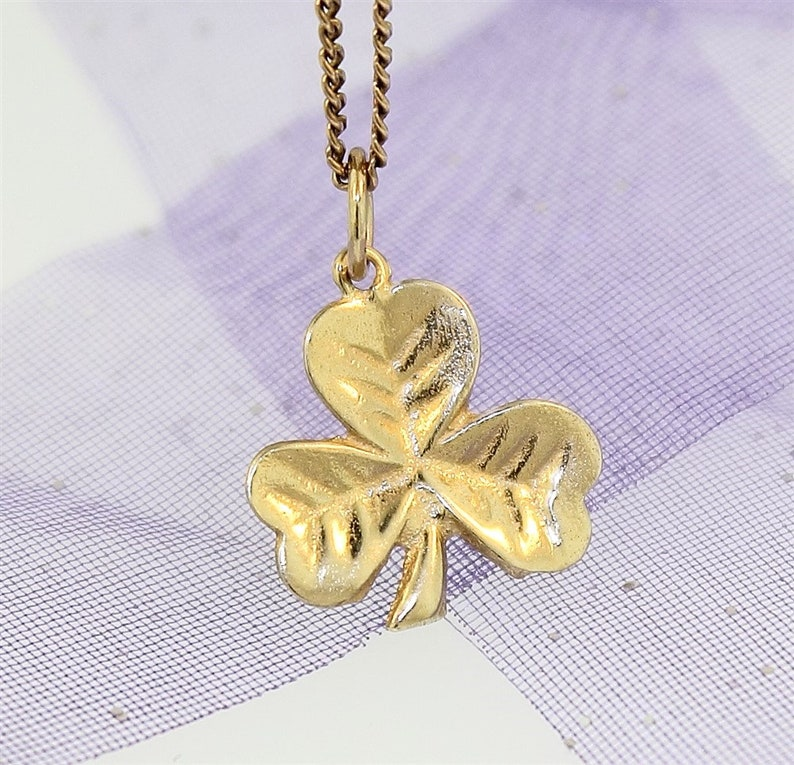 9k Yellow Gold Girl Guides TREFOIL WAGGGS CHARM Guaranteed Genuine 9k Gold