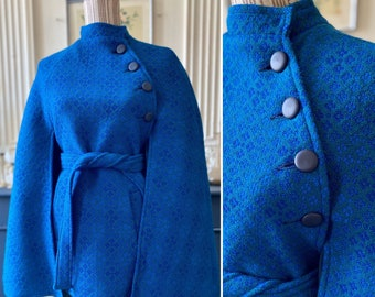 Splendid vintage 60s Wales tweed tapestry cape with matching T S/M belt