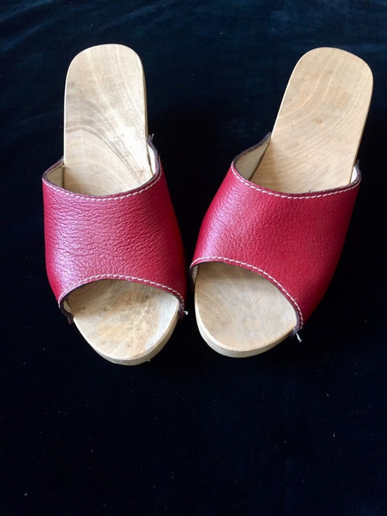 5b441d26aa03c Vintage 70s leather and wood mules for handcrafted women size 39