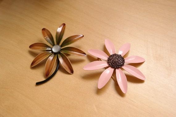 Retro Flower Brooch Large Pink Brown Floral Metal