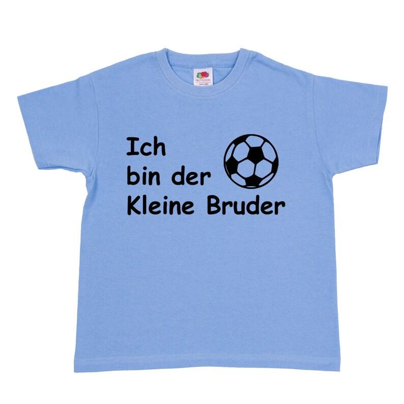 670e1542c1375 T-Shirt Je suis le petit frère de football