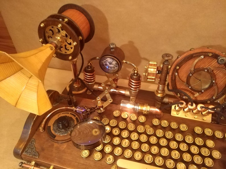 Set of steampunk keyboard mouse speakers and camera image 4