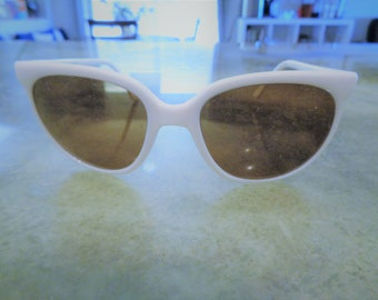 3b51cc1ecf0 Vintage Rare High Quality Pouilloux PX 2000 White Ski Sunglasses Made in  France in Great Condition!!!