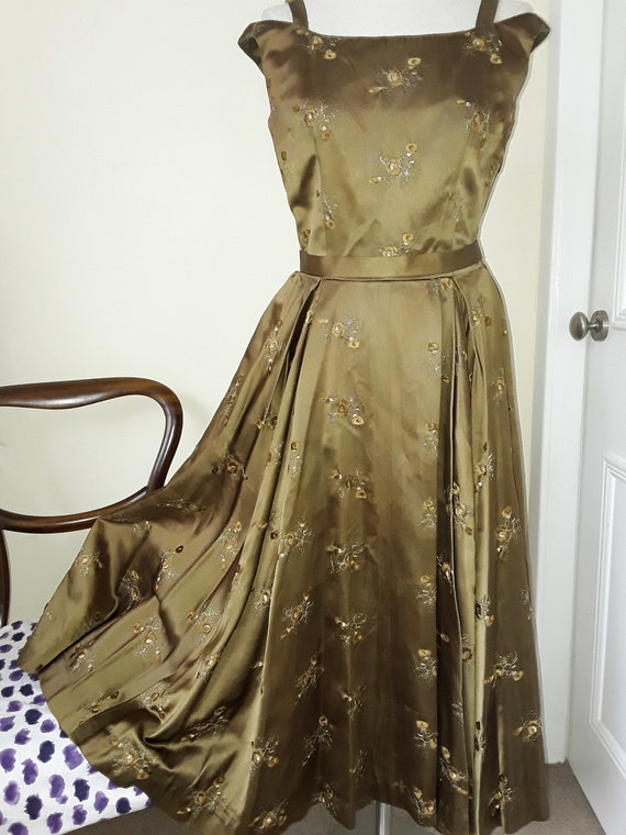Stunning 1950s SATIN Ball Gown, Prom. Embroidered.