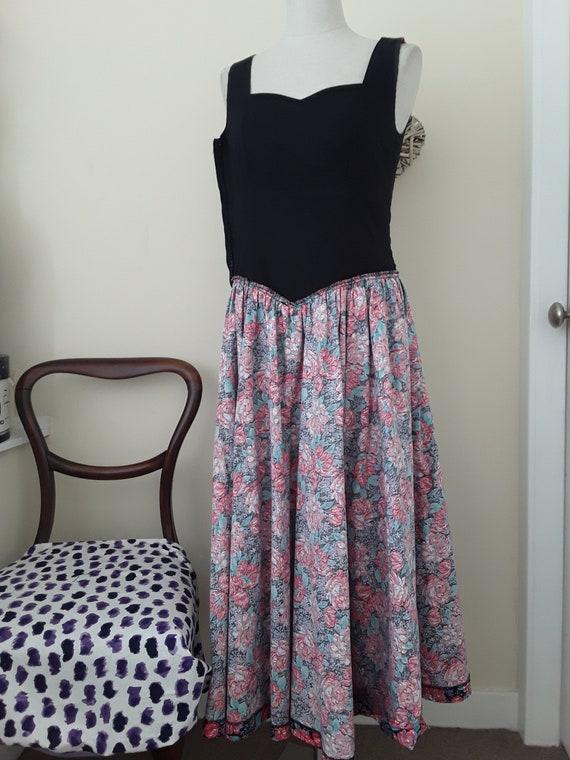 1980s Vintage Laura Ashley Floral Dress.Cotton. S… - image 7