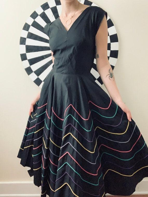 Sz Sm 1950s Black & Rainbow Fiesta Dress with Circ