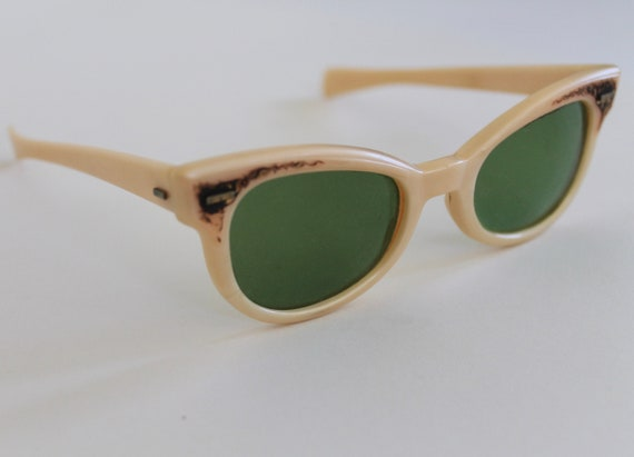 vintage 1950s polaroid cool ray cat eye sunglasses