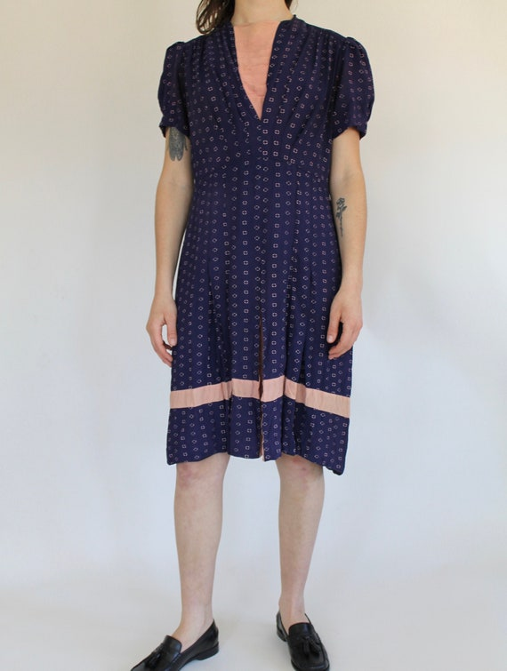 vintage 1930s / 1940s Rayon Dress / Novelty Print
