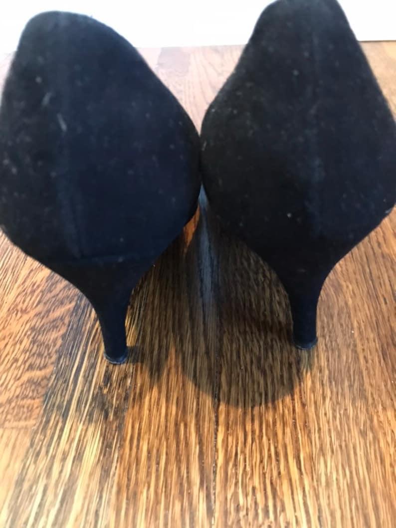 bc83e33e5542e Vintage Black Velvet Pumps with Satin bow- size 8 1/2