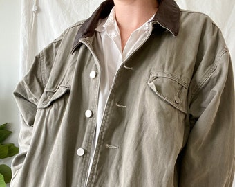 Epaulets Militrary Style Chest Pockets Vintage Khaki Jean Jacket 1990/'s Luxury is a State of Mind Medium Banded Waist Apostrophe