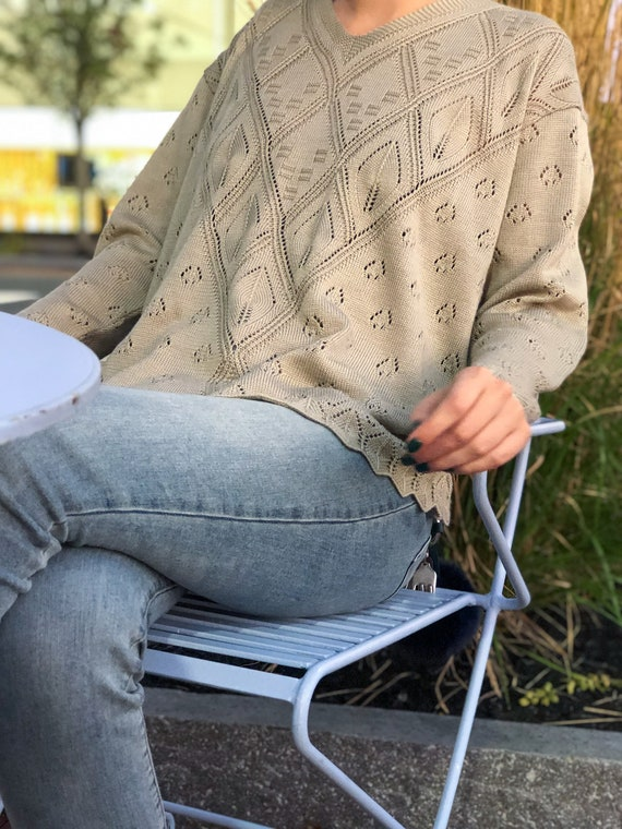 Vintage Sweater / Fall fashion/ Lightweight / Tall