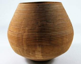 Archaic Deco Vase from Thujaholz (00055)