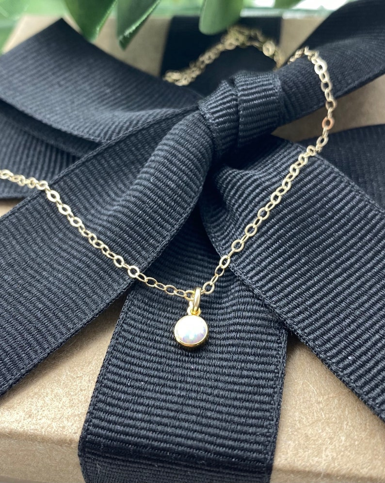 Everyday Jewelry Gold Opal Simple Elegant Gemstone Necklace Dainty Tiny Bello Opal Drop Necklace Layering Necklace Bridesmaid Gifts