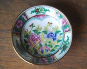 Vintage Miniature Famille Rose Bowl Chinoiserie Rose Medallion Chinese Bowl