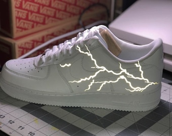 buy online fb8e7 b69e3 Lightning bolt custom Air Force 1