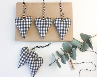 5 hearts plaid dark grey fabric pendant