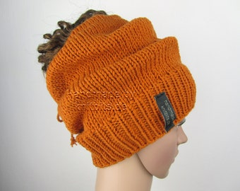 Beanie with opening