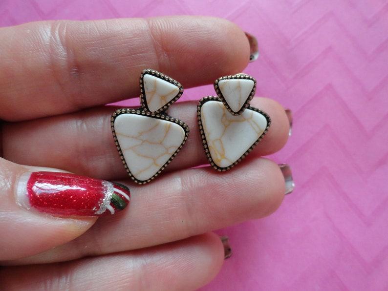 Triangle disc white ear jacket earrings