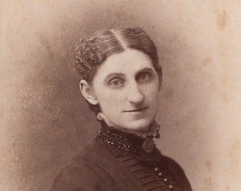 Cabinet Card c. 1880s Woman - Photo By Strauss, St. Louis MO
